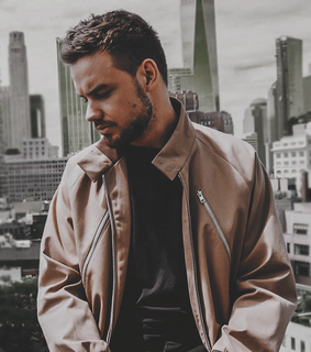 header, liam payne layout and layout
