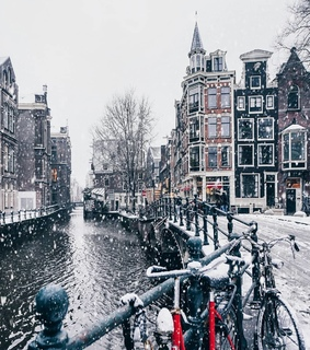 amsterdam, canal houses and snowy