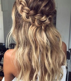 blonde, tumblr and hairstyle