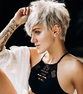 pixie, blonde and short hair