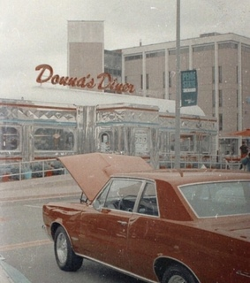 old cars, retro diner and diner