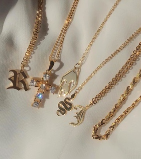 gold, chic and jewelry