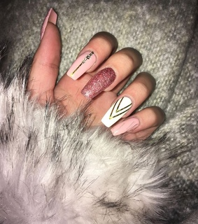 nails, sparkle and fur