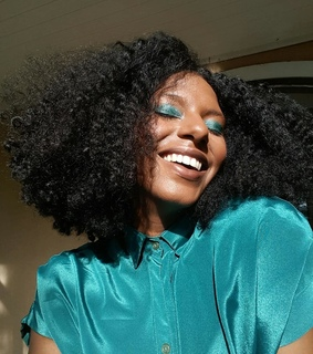 curly bob, smile and black girls