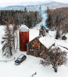 winter, home and barn