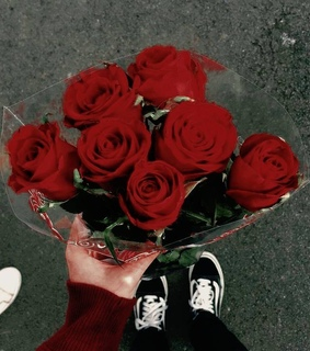 korean, red asthetic and roses