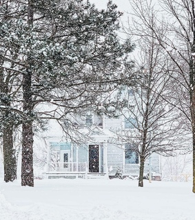 home, snow and country living