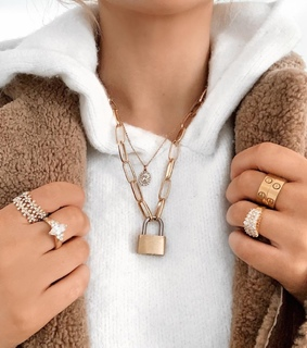 gold, jewelry and necklaces