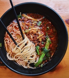 chinese food, foodporn and chongqing noodle soup