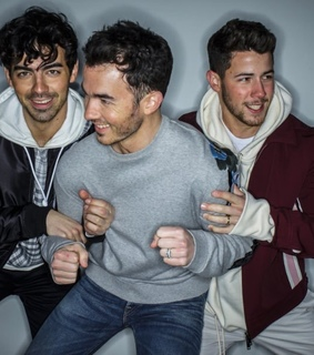 jonas, brothers and kevin