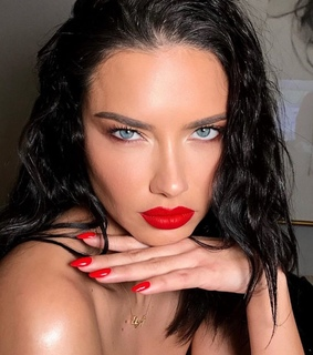 adriana lima, model and makeup