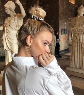 girly girls girl, museums and hair