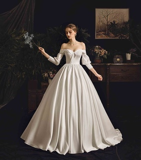 wedding dresses 2019, bride and girl