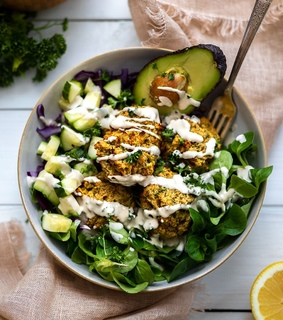 vegetarian, avocado and salad
