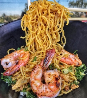 shrimp, chinese food and food