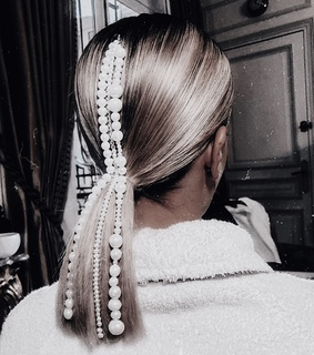 hair accessories, hairstyle and blonde hair
