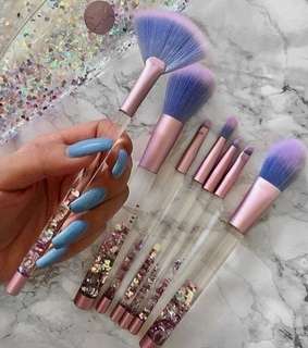 makeup brushes, cosmetics and chic