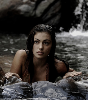 h2o just add water, phoebe tonkin and h2o