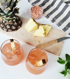 fruity, ananas and drink