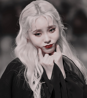 kpop icon, jung jinsoul and loona