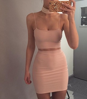 pink, pretty and it girl