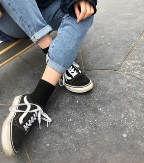 aesthetically pleasing, jeans and vans
