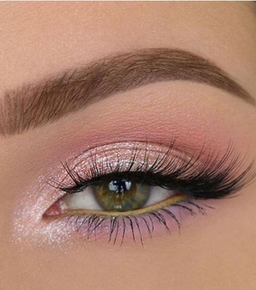falsies, eyeshadow and eyebrows