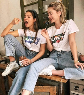 girla, nutella and levis