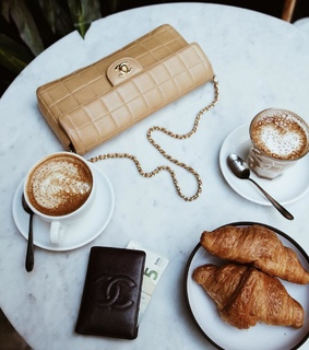 ile de france, coffee time and chanel bag