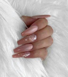nails and beuty