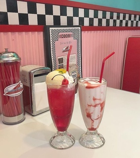 pops, diner and aesthetic