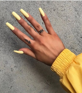 yellow acrylics, trendy and trend