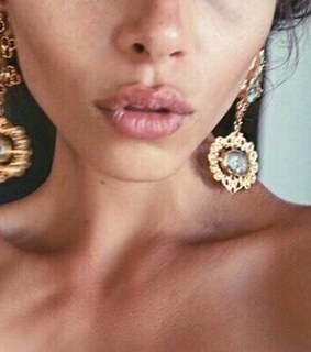 neck, delicate and golden