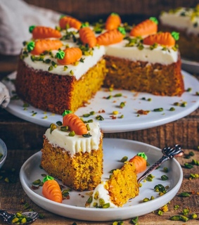 carrot, biancazapatka and cake