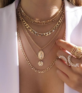 jewelery, necklace and style