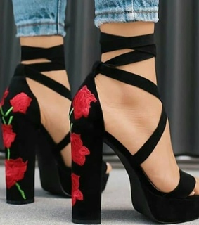 shoe love, rot and blume