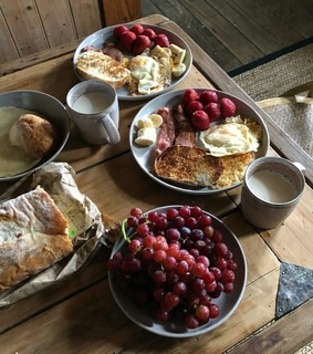 feast, grapes and butter