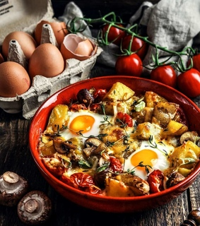 brunch, cherry tomato and baked eggs