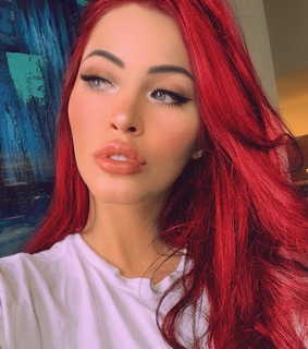blue eyes, lips and red hair
