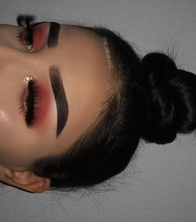 makeup, lashes and hair