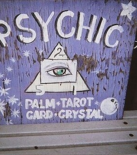 tarot, psychic and the raven cycle