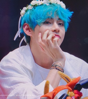 blue hair, aladin fansign and bangtan