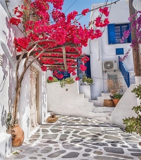 greek tradition, mykonos and paros