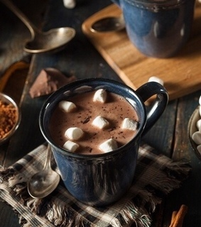 marshmallow and hot chocolate