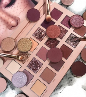 makeup collection, girls and fashion