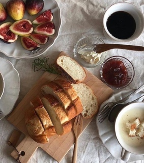 figs, fruit and bread