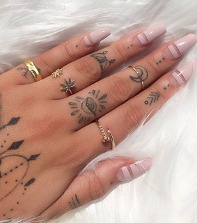 nail inspo, perfect outfit and girls indie