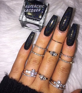 black nails, nails goals and claws inspo