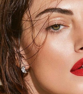 eyes, red lips and jewelry