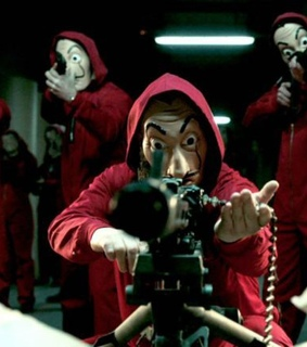 la casa de papel, gun and mask